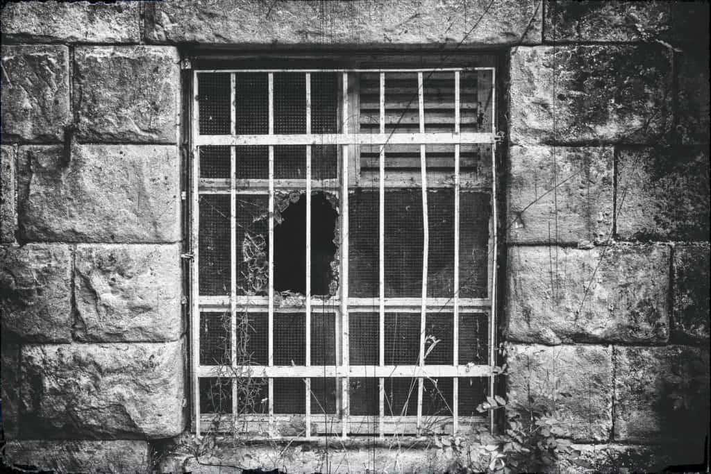 Old window - the prisoner
